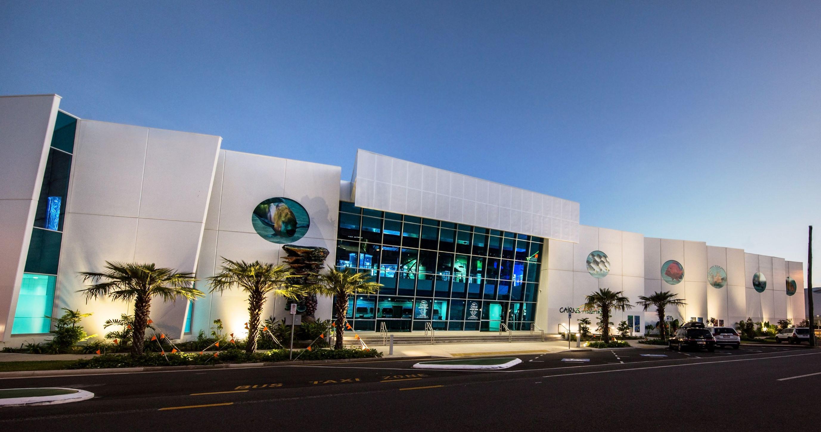Cairns Aquarium Cairns Tour